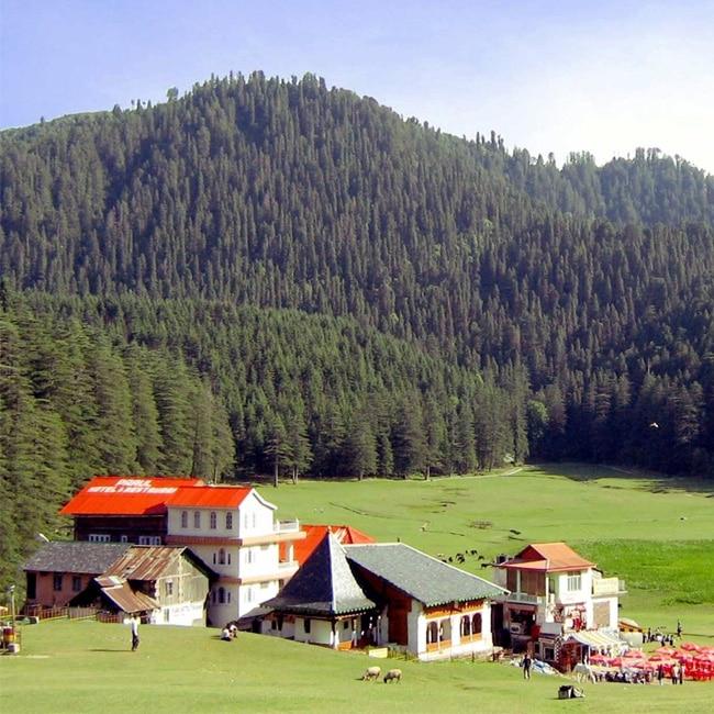 Plan a trip to Kasauli in Himachal Pradesh during long weekends