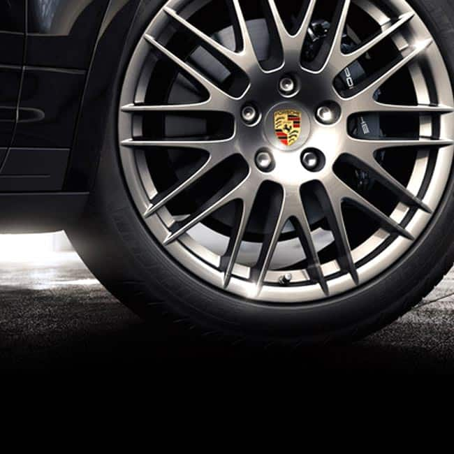 Porsche cayenne Platinum comes with humongous 20 inch alloy wheels