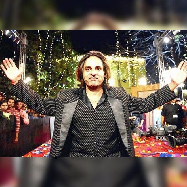 Rahul Roy as winner of Bigg Boss Season 1