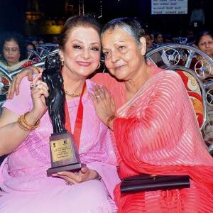 IN PICS: Veteran actress Rakhee Gulzar looks unrecognizable during her rare appearance at 54 Maharashtra Rajya Marathi Chitrapat Mahotsav Award!