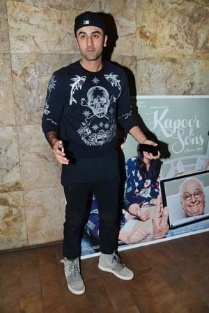 Handsome hunks of Bollywood attend screening of Kapoor & Sons