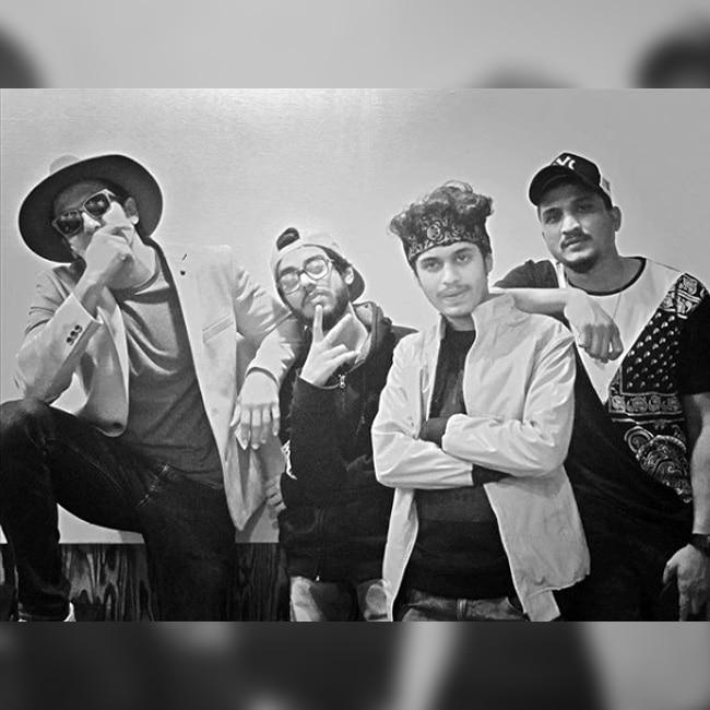 Ranveer Singh posing with his Gully Boys