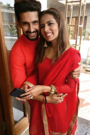 Ravi Dubey And Sargun Mehta Rekindle Their Romance At Brothers Wedding See Pics