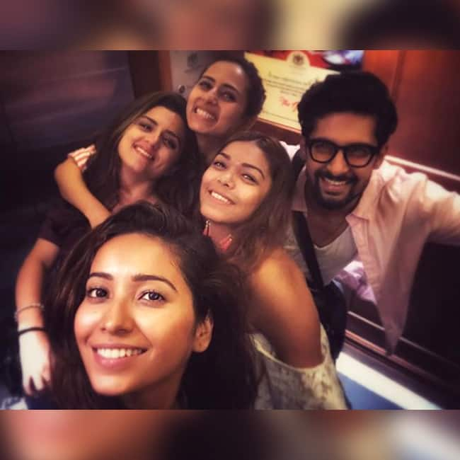 Ridhi Dogra with Sargun Mehta and Ravi Dubey during Sri Lanka vacation