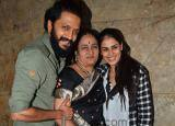 So Sweet! Riteish Deshmukh manages the two ladies in his life so well; shows it during Banjo screening