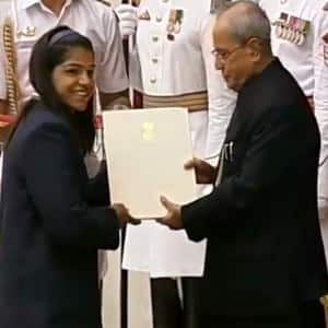 Olympics athletes get Rajiv Gandhi Khel Ratna award, see pics!