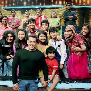 PICS: Salman Khan kicks off Tubelight promotions with Sohail and melodious kids of Sa Re Ga Ma Pa!