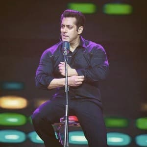 Salman Khan gives a sneak-peek into his Da Bangg tour 2017 in London!