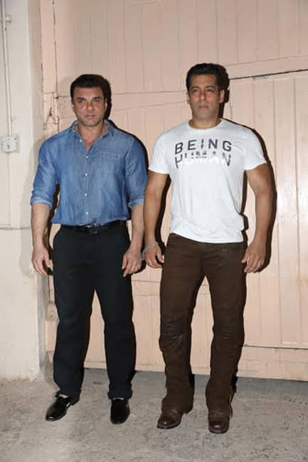 Salman Khan with brother Sohail Khan at Mehboob studio