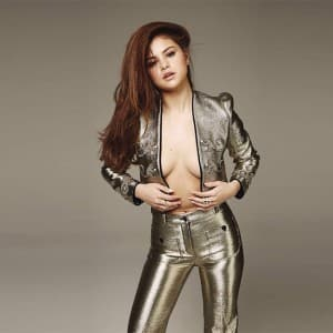 Selena Gomez hot and sexy pictures