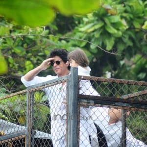 Shah Rukh Khan and AbRam wish fans Eid Mubarak from Mannat, see HQ pics