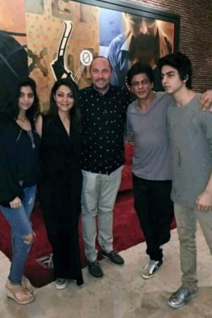 Sneak-peek into Shah Rukh Khan's personal life through pics