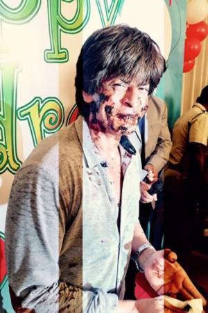 IN PICS: Shah Rukh Khan cherishes childhood memories with kids, celebrating Children's Day