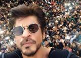 Inside pictures of Shah Rukh Khan's 51st birthday bash had Ranbir Kapoor, Karan Johar, Imtiaz Ali and his dear friends