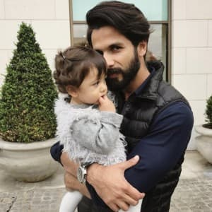 Most favorite and handsome super dads of Bollywood!