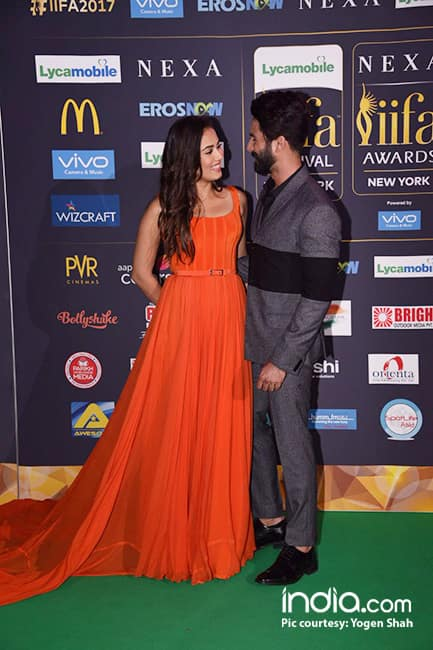 Shahid Kapoor with wife Mira Rajput during main event of IIFA 2017
