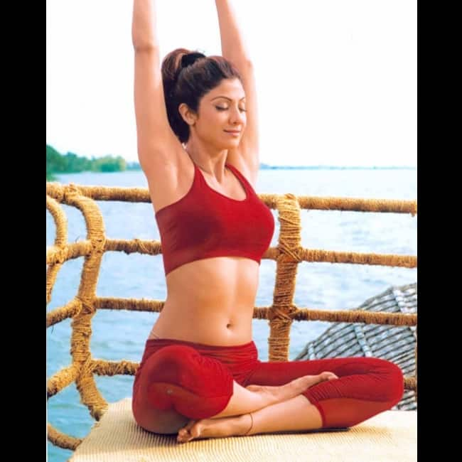 Shilpa Shetty Kundra doing yoga