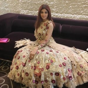 Karisma Kapoor, Shilpa Shetty and other Bollywood beauties are slaying it with their BEST this wedding season!