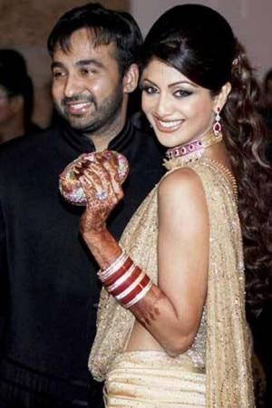Shilpa Shetty With Husband Raj Kundra On Her Wedding Day 8 Pics