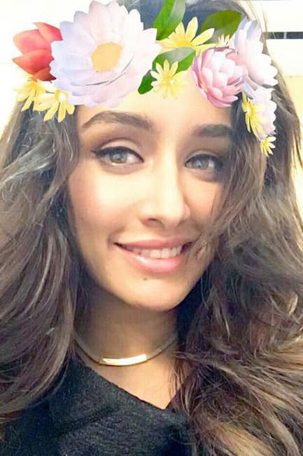 Shraddha Kapoor wearing the floral tiara through Sapchat