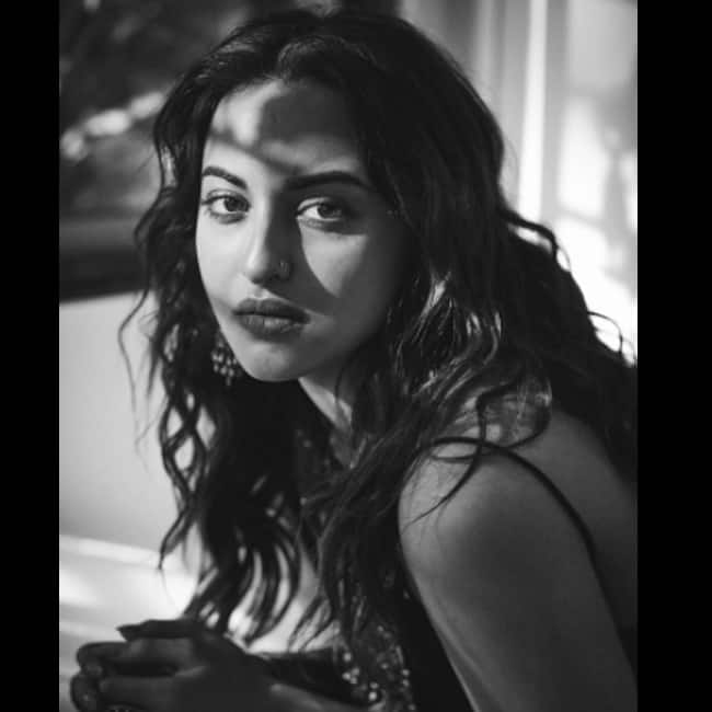 Sonakshi poses for a seductive picture