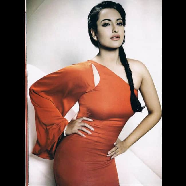 Sonakshi Sinha flaunting her sexy curves