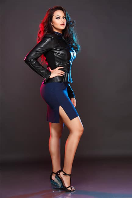 Sonakshi Sinha looks black hot in this picture