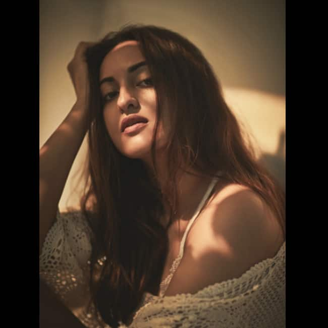 Sonakshi Sinha looks hot as hell in this picture