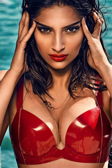 Sonam kapoor hot n sexy