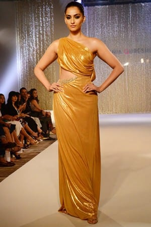 Sonam Kapoor turns showstopper for designer Pernia Qureshi, celebrates birthday during show
