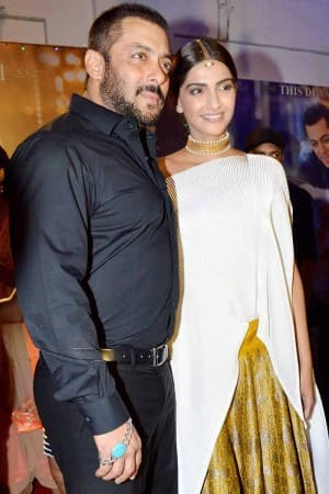 Salman Khan and Sonam Kapoor look super-stylish at Prem Ratan Dhan Payo promotions!