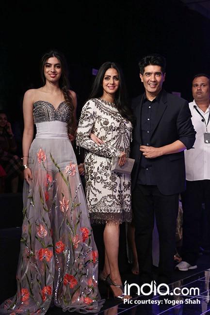 Sridevi Kapoor with daughter Khushi Kapoor at Manish Malhotra   s show at LFW 2017