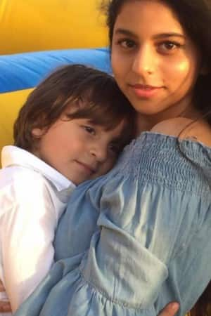 6 adorably cute pics from Gauri Khan's Instagram showing Abram Khan's unique bond with family!