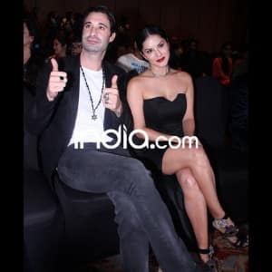 So Cute! Daniel Weber couldn't keep hands off gorgeous wife Sunny Leone during Fuddu music launch event