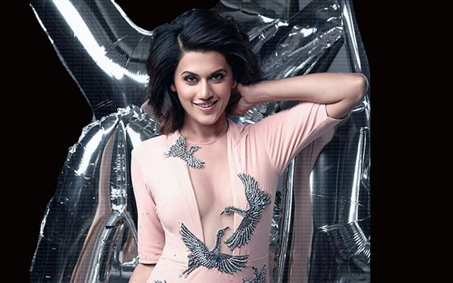 Taapsee Pannu flaunts her curves in the eye popping picture