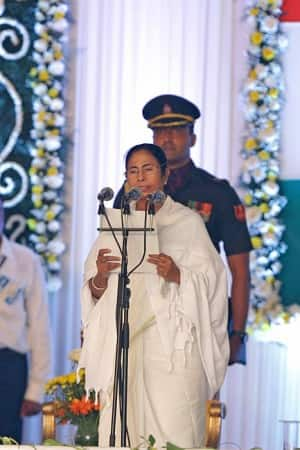Mamata Banerjee sworns in as CM of West Bengal, 17 new faces in her cabinet