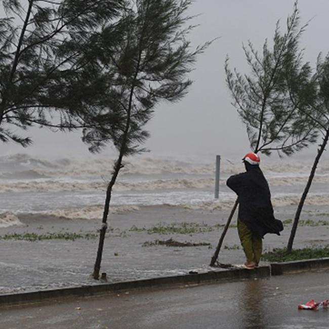 Typhoon hits Vietnam  44 dead
