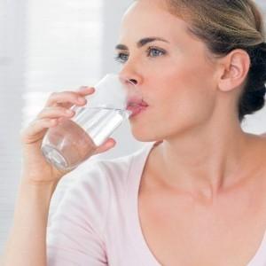 7 amazing health benefits of drinking warm water
