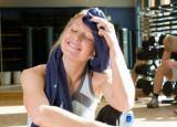 5 tips to control excessive sweating under your boobs