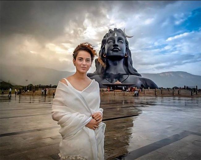 Bollywood News  Kangana Ranaut Looks Like a Goddess in White   See Pics