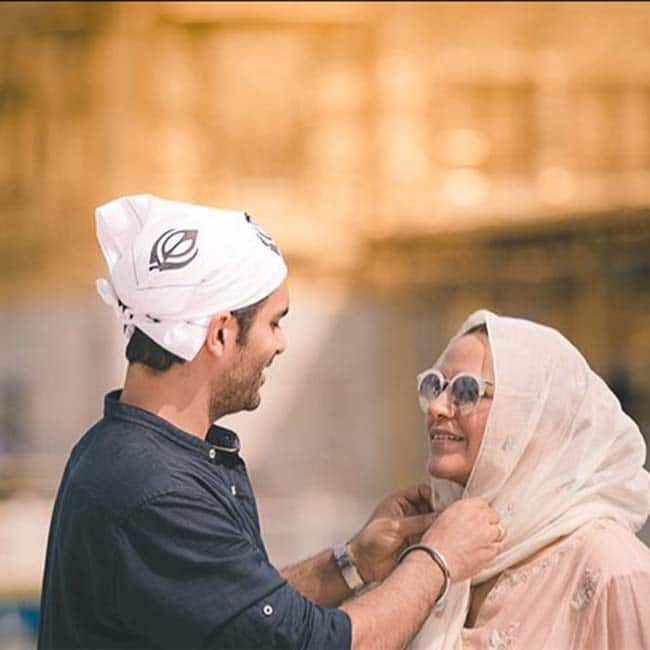 Neha Dhupia And Angad Bedi Visits The Golden Temple to Seek Blessings