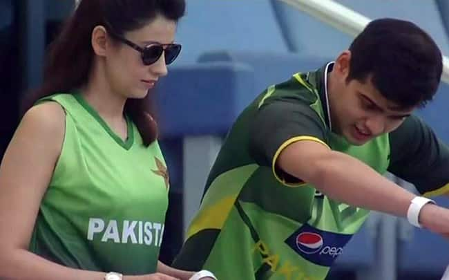 Asia Cup 2018  From Beautiful Pakistan Girl to Pretty Indian Girl  Women Who Stole Hearts in Dubai