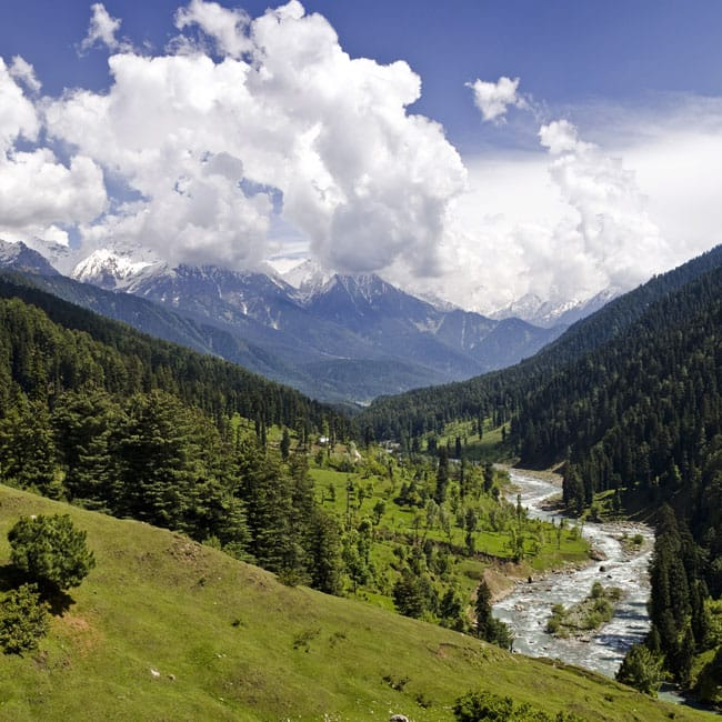A beautiful picture of Pahalgam in Jammu and Kashmir