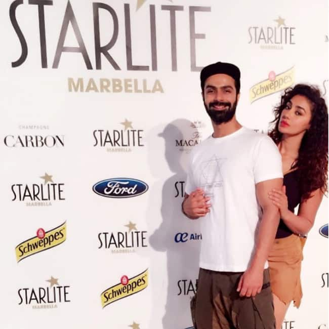 A cute picture of Ashmit Patel and Maheck Chahal