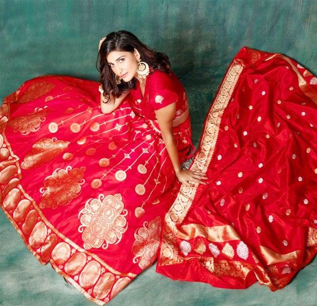 Aahana Kumra  Looks Drop dead Gorgeous In Banarasi Silk Red Lehenga