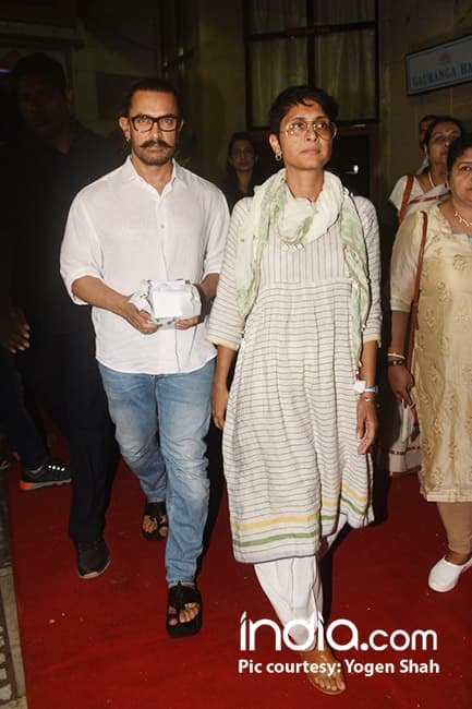 Aamir Khan with wife Kiran Rao at prayer meet of Ram Mukherji