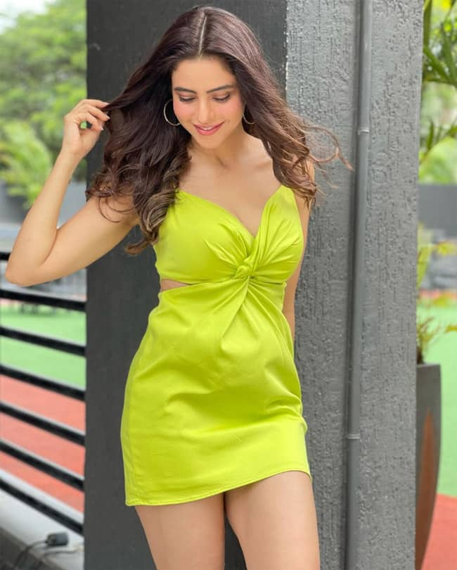 Aamna Sharif Drops Sensuous Photos on Instagram in Sexy Neon Green Strap Mini Dress