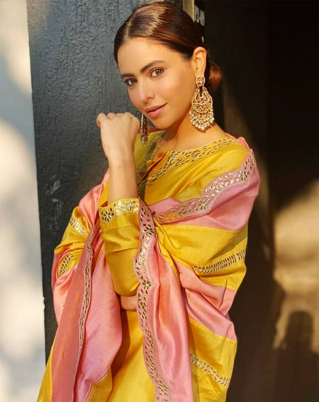 Aamna Sharif looks gorgeous in her new set of pictures