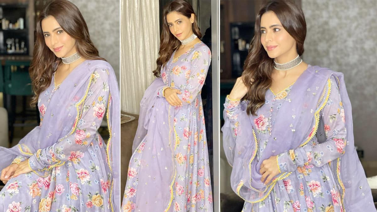 Aamna Sharif Wore Rs 11K Lilac Floral Printed Anarkali For Eid Celebrations