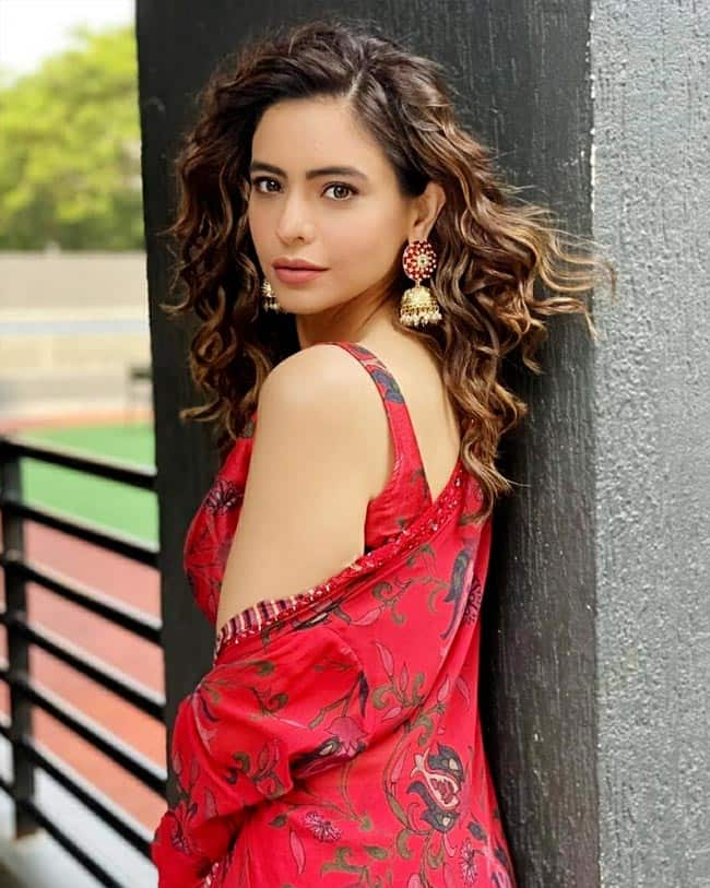 Aamna Shariff latest set of pictures has left her fans gushing